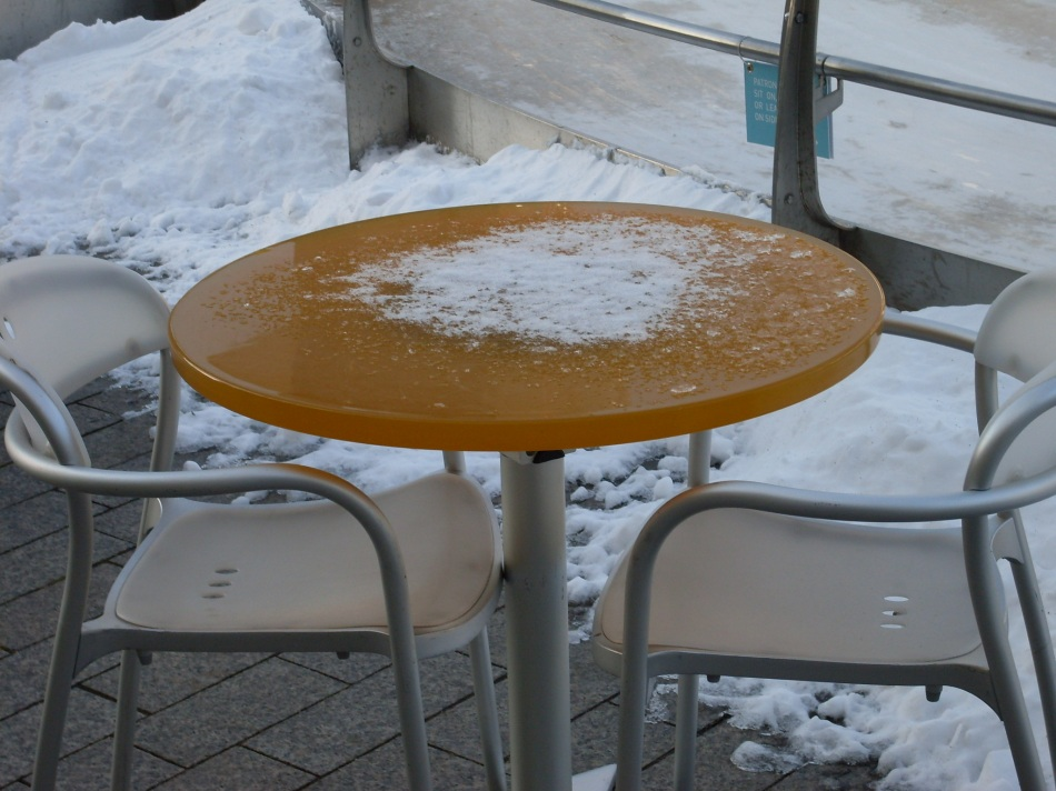 table-for-two-and-snow