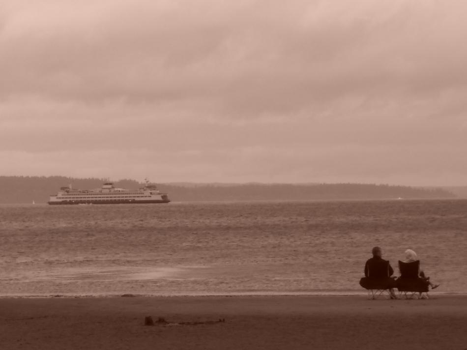 old friends regarding the sea